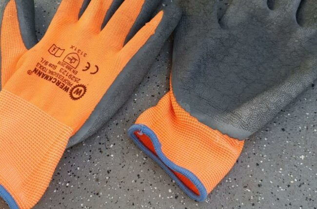 Hand gloves used for catching crabs