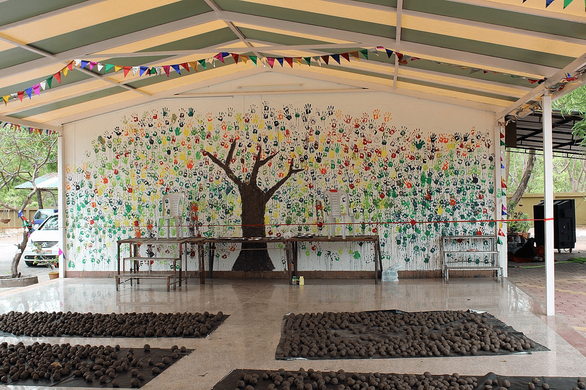 A mural in Bopal, India, for World Environment Day